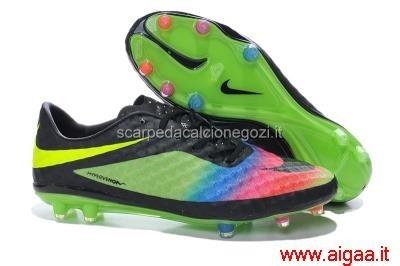 scarpe da calcio nike arcobaleno,scarpe da calcio nike a stivaletto