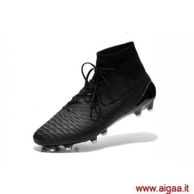 scarpe da calcio nike tutte nere,scarpe da calcio nike ultimi modelli