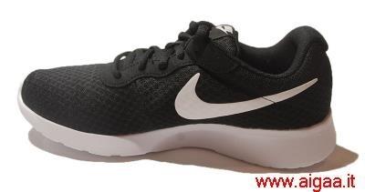 nike bianca,nike scarpe da ginnastica nere